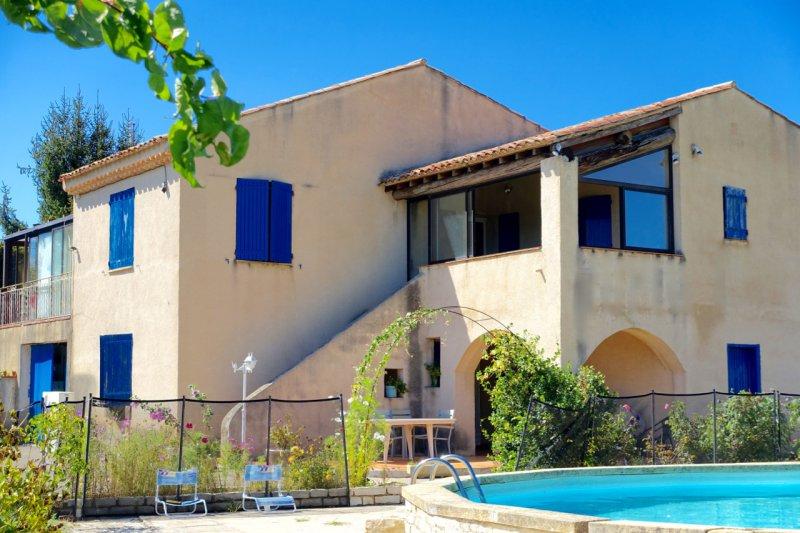 Vente maisons de village la tour d aigues avec agence for Garage ad pertuis